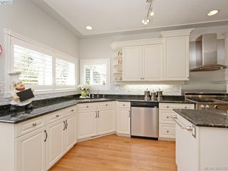 Photo 4: 4652 Boulderwood Drive in VICTORIA: SE Broadmead Single Family Detached for sale (Saanich East)  : MLS®# 392510