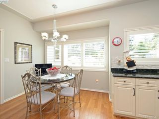Photo 5: 4652 Boulderwood Drive in VICTORIA: SE Broadmead Single Family Detached for sale (Saanich East)  : MLS®# 392510