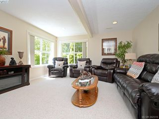 Photo 12: 4652 Boulderwood Drive in VICTORIA: SE Broadmead Single Family Detached for sale (Saanich East)  : MLS®# 392510