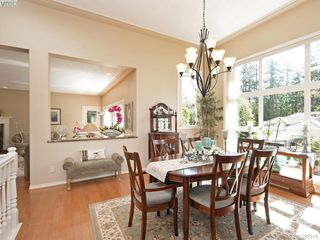 Photo 3: 4652 Boulderwood Drive in VICTORIA: SE Broadmead Single Family Detached for sale (Saanich East)  : MLS®# 392510