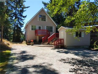 Photo 2: 2795 Schooner Way in PENDER ISLAND: GI Pender Island Single Family Detached for sale (Gulf Islands)  : MLS®# 394617