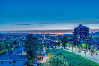 "Photo 3: 402 3920 HASTINGS Street in Burnaby: Willingdon Heights Condo for sale in ""INGLETON PLACE"" (Burnaby North)  : MLS®# R2298394"