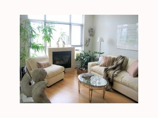 """Photo 1: 1304 1050 SMITHE Street in Vancouver: West End VW Condo for sale in """"THE STERLING"""" (Vancouver West)  : MLS®# R2304873"""