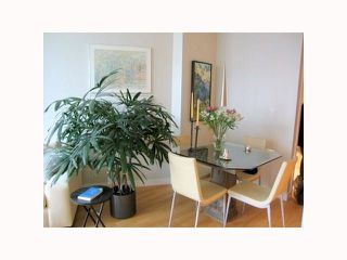"""Photo 6: 1304 1050 SMITHE Street in Vancouver: West End VW Condo for sale in """"THE STERLING"""" (Vancouver West)  : MLS®# R2304873"""