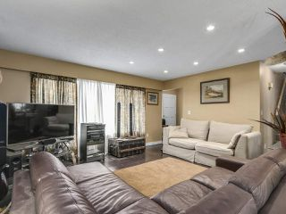 Photo 3: 5601 47A Avenue in Delta: Delta Manor House for sale (Ladner)  : MLS®# R2318172