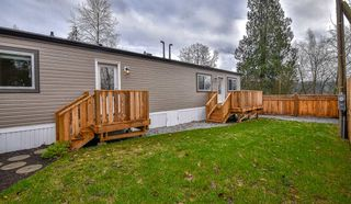 "Photo 1: 37 10221 WILSON Road in Mission: Mission BC Manufactured Home for sale in ""Triple Creek Estates"" : MLS®# R2335578"