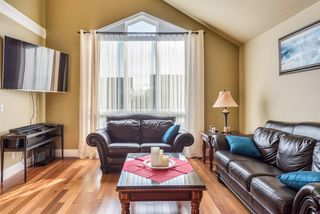 Photo 3: 2391 MARIANA Place in Coquitlam: Cape Horn House for sale : MLS®# R2355577