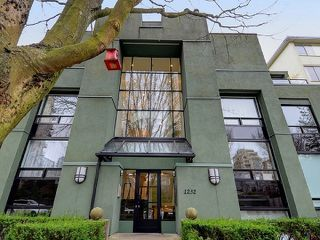 "Main Photo: 202 1232 HARWOOD Street in Vancouver: West End VW Condo for sale in ""HARWOOD TERRACE"" (Vancouver West)  : MLS®# R2362083"
