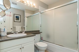 """Photo 13: 16 20222 96 Avenue in Langley: Walnut Grove Townhouse for sale in """"Windsor Gardens"""" : MLS®# R2362308"""
