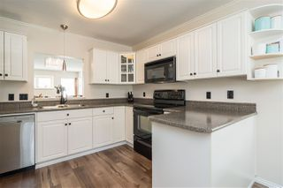 """Photo 8: 16 20222 96 Avenue in Langley: Walnut Grove Townhouse for sale in """"Windsor Gardens"""" : MLS®# R2362308"""