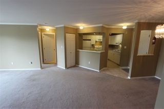 "Photo 5: 310 32044 OLD YALE Road in Abbotsford: Abbotsford West Condo for sale in ""Green Gables"" : MLS®# R2363929"