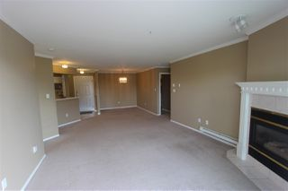 """Photo 4: 310 32044 OLD YALE Road in Abbotsford: Abbotsford West Condo for sale in """"Green Gables"""" : MLS®# R2363929"""