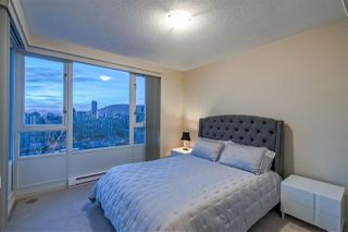 "Photo 19: 3905 1033 MARINASIDE Crescent in Vancouver: Yaletown Condo for sale in ""QUAYWEST"" (Vancouver West)  : MLS®# R2366439"