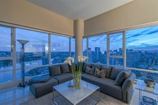 "Photo 7: 3905 1033 MARINASIDE Crescent in Vancouver: Yaletown Condo for sale in ""QUAYWEST"" (Vancouver West)  : MLS®# R2366439"