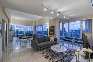 "Photo 6: 3905 1033 MARINASIDE Crescent in Vancouver: Yaletown Condo for sale in ""QUAYWEST"" (Vancouver West)  : MLS®# R2366439"