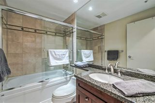 "Photo 17: 3905 1033 MARINASIDE Crescent in Vancouver: Yaletown Condo for sale in ""QUAYWEST"" (Vancouver West)  : MLS®# R2366439"