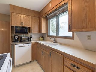 Photo 10: 3407 MORLEY Trail NW in Calgary: Banff Trail Detached for sale : MLS®# C4243656