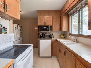 Photo 11: 3407 MORLEY Trail NW in Calgary: Banff Trail Detached for sale : MLS®# C4243656