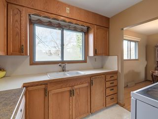 Photo 12: 3407 MORLEY Trail NW in Calgary: Banff Trail Detached for sale : MLS®# C4243656