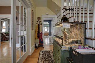 Photo 2: 9732 89 Avenue in Edmonton: Zone 15 House for sale : MLS®# E4156539