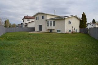 Photo 3: 12316 151A Avenue in Edmonton: Zone 27 House for sale : MLS®# E4157042