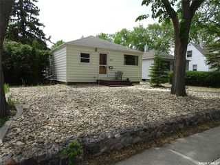 Photo 2: 307 Holland Avenue in Regina: Arnhem Place Residential for sale : MLS®# SK775915