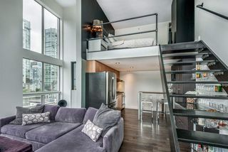 "Main Photo: 601 933 SEYMOUR Street in Vancouver: Downtown VW Condo for sale in ""The Spot"" (Vancouver West)  : MLS®# R2383160"