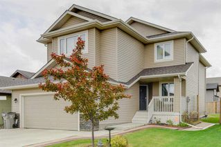 Photo 1: 534 FAIRWAY Court: Stony Plain House for sale : MLS®# E4164775