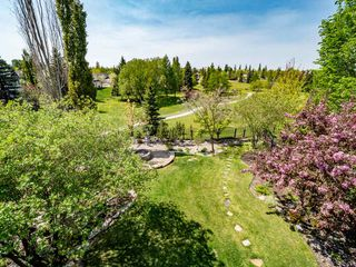 Photo 2: 730 BUTTERWORTH Drive NW in Edmonton: Zone 14 House for sale : MLS®# E4177966