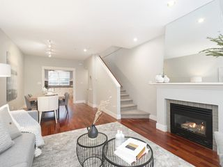 "Photo 3: 832 W 15TH Avenue in Vancouver: Fairview VW Townhouse for sale in ""RedBricks III"" (Vancouver West)  : MLS®# R2447752"