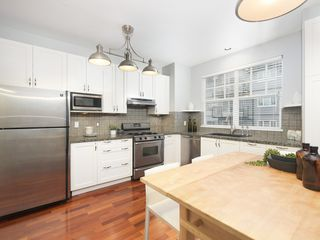 "Photo 7: 832 W 15TH Avenue in Vancouver: Fairview VW Townhouse for sale in ""RedBricks III"" (Vancouver West)  : MLS®# R2447752"