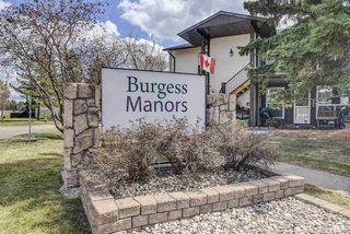 Photo 3: 17213 92 Avenue in Edmonton: Zone 20 Carriage for sale : MLS®# E4196018