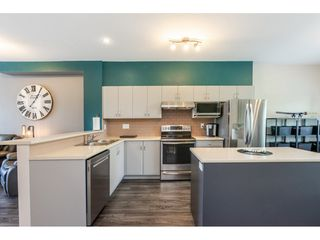 """Photo 4: 36 19455 65 Avenue in Surrey: Clayton Townhouse for sale in """"Two Blue"""" (Cloverdale)  : MLS®# R2457447"""