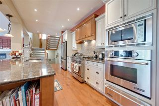 Photo 8: 942 HALIBURTON Road in Edmonton: Zone 14 House for sale : MLS®# E4208259