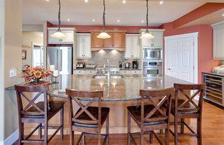 Photo 6: 942 HALIBURTON Road in Edmonton: Zone 14 House for sale : MLS®# E4208259