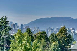 "Photo 24: 318 630 E BROADWAY in Vancouver: Mount Pleasant VE Condo for sale in ""Midtown Modern"" (Vancouver East)  : MLS®# R2504226"
