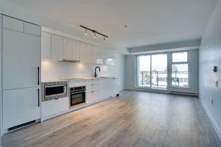 "Photo 4: 318 630 E BROADWAY in Vancouver: Mount Pleasant VE Condo for sale in ""Midtown Modern"" (Vancouver East)  : MLS®# R2504226"