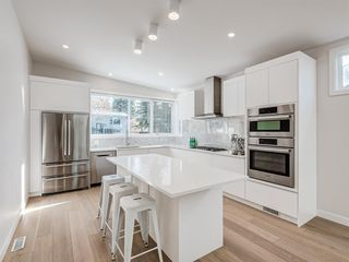 Photo 4: 5327 Carney Road NW in Calgary: Charleswood Detached for sale : MLS®# A1049468