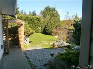 Photo 2: 2138 Henlyn Drive in SOOKE: Sk John Muir Single Family Detached for sale (Sooke)  : MLS®# 290310