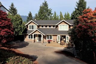 Photo 1: 2994 Connaught Avenue in North Vancouver: Princess Park House  : MLS®# V949376