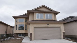 Photo 1: 151 Tychonick Bay, Kildonan Green Home For Sale,