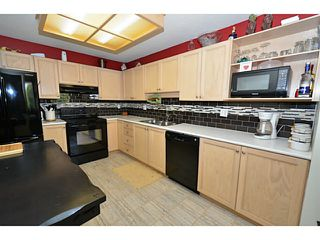 """Photo 2: 310 19122 122ND Avenue in Pitt Meadows: Central Meadows Condo for sale in """"EDGEWOOD MANOR"""" : MLS®# V1069854"""