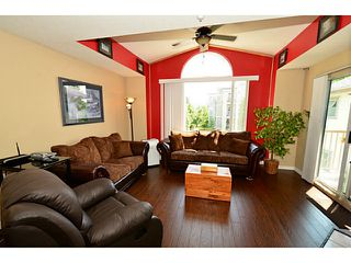 """Photo 5: 310 19122 122ND Avenue in Pitt Meadows: Central Meadows Condo for sale in """"EDGEWOOD MANOR"""" : MLS®# V1069854"""