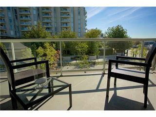 "Photo 2: 3211 33 CHESTERFIELD Place in North Vancouver: Lower Lonsdale Condo for sale in ""HARBOURVIEW PARK"" : MLS®# V1109655"