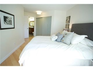 "Photo 12: 3211 33 CHESTERFIELD Place in North Vancouver: Lower Lonsdale Condo for sale in ""HARBOURVIEW PARK"" : MLS®# V1109655"