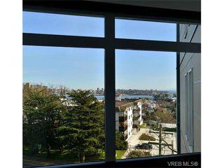 Photo 3: 403 924 Esquimalt Rd in VICTORIA: Es Old Esquimalt Condo Apartment for sale (Esquimalt)  : MLS®# 698615