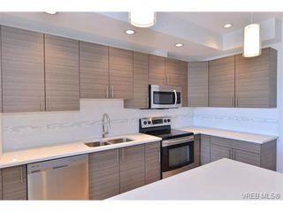 Photo 8: 403 924 Esquimalt Rd in VICTORIA: Es Old Esquimalt Condo Apartment for sale (Esquimalt)  : MLS®# 698615
