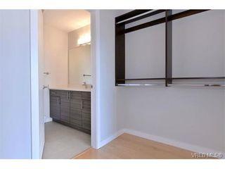 Photo 2: 403 924 Esquimalt Rd in VICTORIA: Es Old Esquimalt Condo Apartment for sale (Esquimalt)  : MLS®# 698615