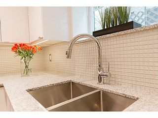 """Photo 8: 102 1545 W 13TH Avenue in Vancouver: Fairview VW Condo for sale in """"THE LEICESTER"""" (Vancouver West)  : MLS®# V1127136"""