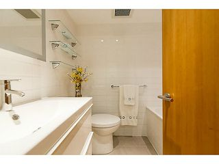 """Photo 13: 102 1545 W 13TH Avenue in Vancouver: Fairview VW Condo for sale in """"THE LEICESTER"""" (Vancouver West)  : MLS®# V1127136"""